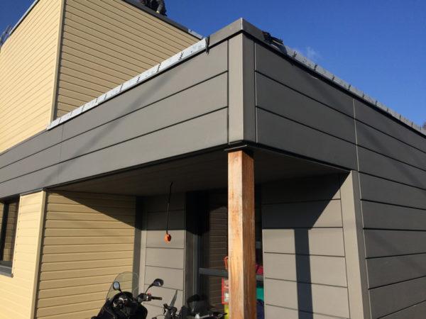Construction maison neuve RT 2012 bardage bois et zinc